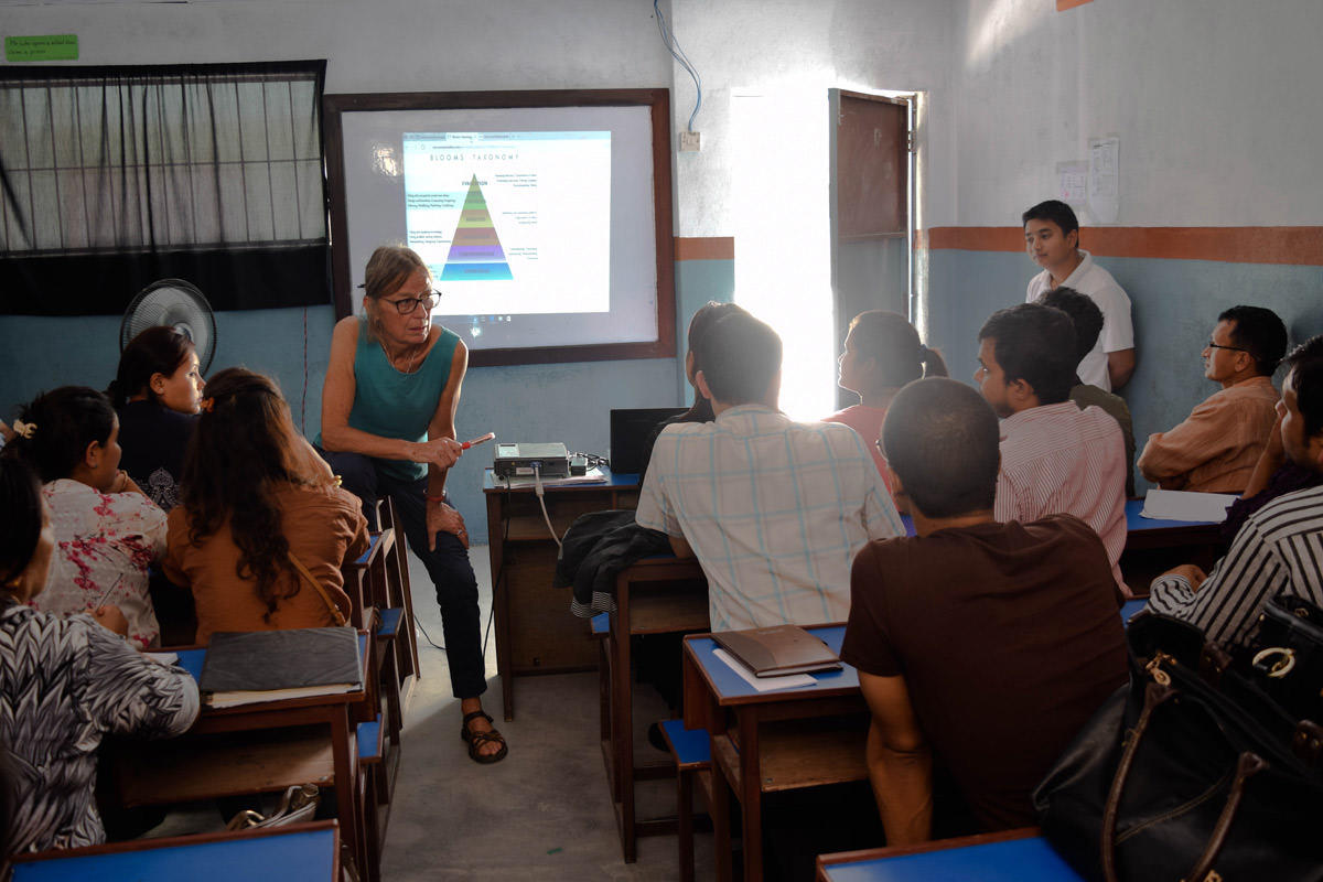volunteer teacher training nepal